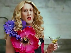 Hot Tranny Being Carrie From Sex And The City!!
