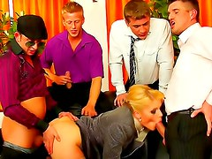 Classy office babe in piss threesome
