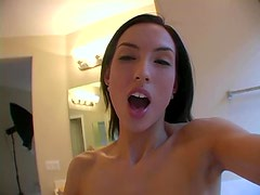 A Quick Masturbation With The Horny Sophie Crus