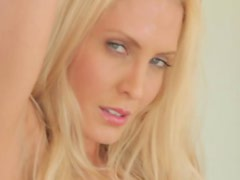 Sensual blond Jennifer Vaughn looks so sexy