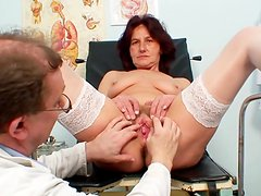 Mature lady here for her gyno exam