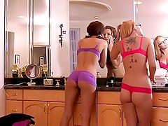 Pussy Eating  Gorgeous  Lesbians Beauties,By Blondelover