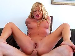 Anal sex for pornstar Amy Brooke