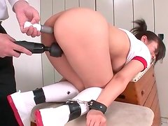 Double toy takes her ass and pussy at once