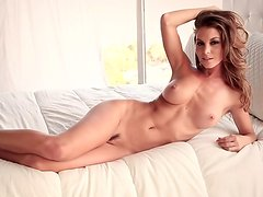Perfect honey Amber Sym and her pretty natural boobs