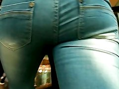 Beautifull ass in blue jeans
