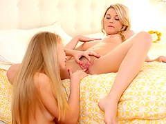 Avril Hall sucking pussy and clit of Chloe Lynn