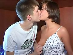 Brunette Jana kissing with her bf and sucking his cock
