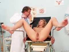 Curly hair teen for a gynecologist exam