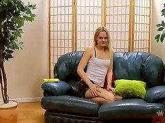 Petite blonde Kirsty loves to show
