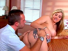Busty slut Dayna Vendetta gets her filthy cunt licked by Keiran Lee