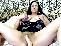 30 Seconds of Sexy Slut Wife Lori Grinding Her Horny Ass