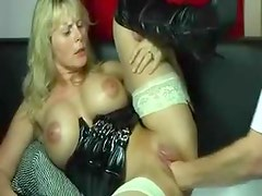 Amateur latex milf fisted in the pussy