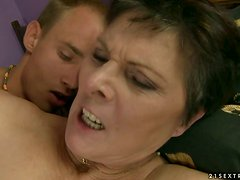 Lustful Granny Asks The Teen Guy To Not Be Shy so He Can Fuck Her Hard