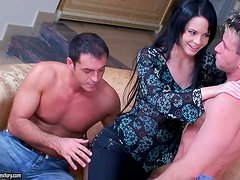 Liz Valery moans loudly while getting double penetrated. Backstage vid