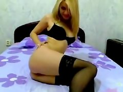 Cute amateur golden-haired playgirl goes fully nude on livecam in hot homemade clip