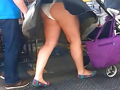 Windy upskirt 2 - Mom with white pantie and pad