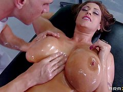 Eva Notty is a perfect bodied wet MILF. She wears