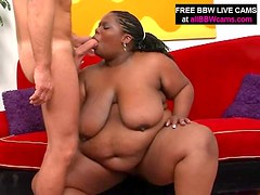 Chubby Gal Stuff Up Her Bbw Pussy Dick Part 1