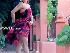Exotic teenie undress and dancing