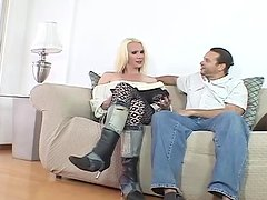 Guy Enjoys Fucking a Tranny after She Fucked His Butthole