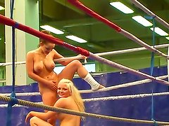 Backstage with two busty fighters Jenna Lovely and Liza del Sierra on the ring
