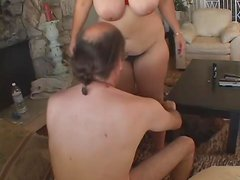 Hair pulling sex with a fat girl he fucks