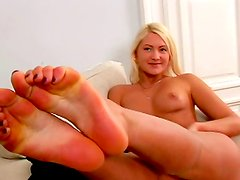 Hot blonde loves to play with her nice pussy