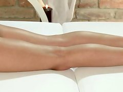 Massage babe oral pleasured by masseur and fingerfucked