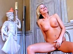 Sensual Jeanna Sweet is stretching her shaved pussy