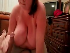 Girlfriend Amanda gives cook jerking and oral sex
