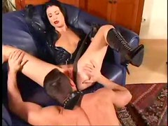 Chick in latex and lipstick suck and lusty fuck