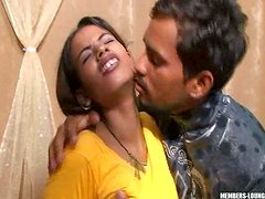 Guarra - Indian slut Vikky takes off her sari and wanks with dildo