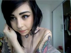 Tiny emo chick's first toying video