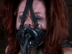 Máscara - Dirty whore Lila Katt wears a leather mask and can't even moan