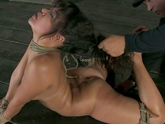 BDSM fan Annie Cruz gets tied up with ropes and waits for a dick