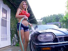 Buxom car washer Alexa Nicole masturbates right outdoors