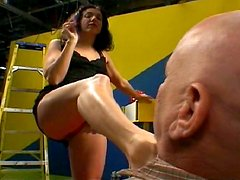 Bootylicious brunette milf Katrina Rosebud is a dominator in sex