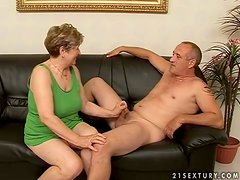 mature woman totally fucked by dude