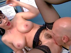 Rayveness is doctor's horny wife that can't wait to get