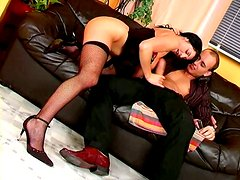 Flexible hot chick Simone gets banged on the leather couch