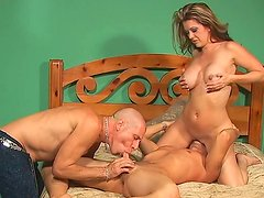 Raquel Devine  sex experience with bisexual dudes