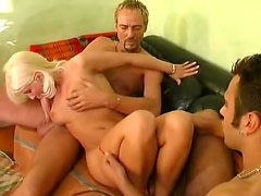 Crazy fisting and fucking in group video