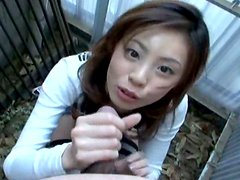 Petite amateur girl Natsumi shows her titties and blows dick
