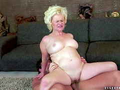 Turned on pale fat mature blonde whore with big hanging